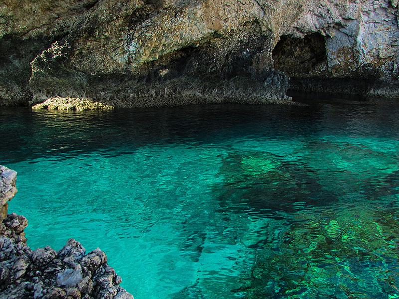 costa_polignano_grotta
